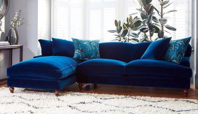 Darligns of Chelsea - Galloway Chaise Sofa in Varase Denim